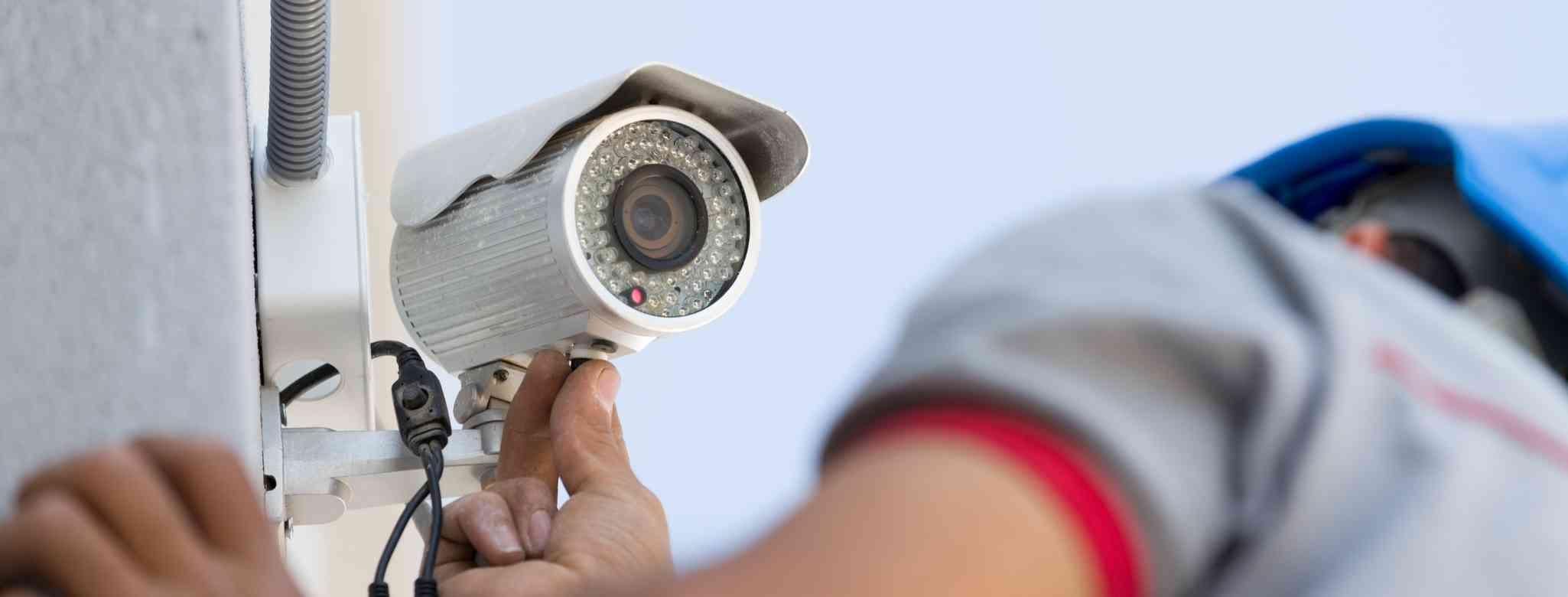 כיצד מתבצעת התקנת מצלמה